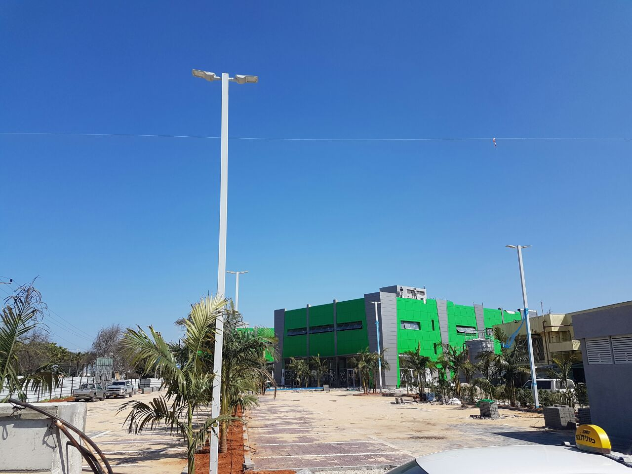 מרכז מסחרי אטיאס / בית מגדל 2017